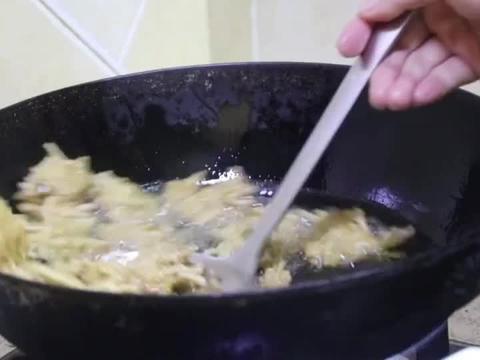 粉条肉末丸子做汤烧菜吃火锅很好吃,皮酥肉嫩,比鱼丸肉丸都香!