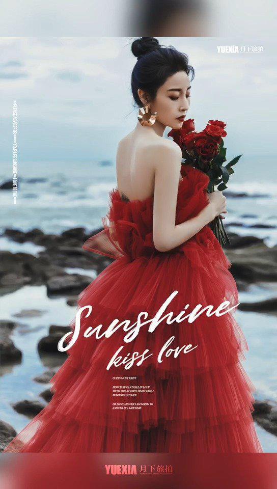 三亚旅拍/拍摄花絮📸 轻薄的红色纱裙,热情奔放的色彩…………