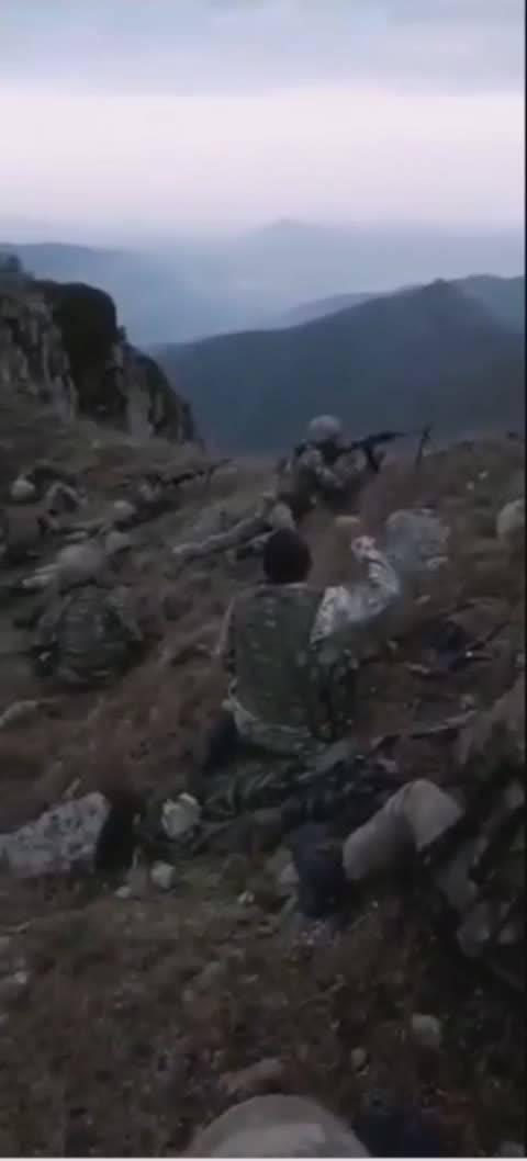 一段罕见的关于阿亚战争时卡拉巴赫山区战斗的视频……