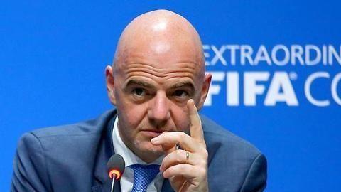 本届世界足球先生颁奖将在线上举行!莱万已触摸到世界足球先生!