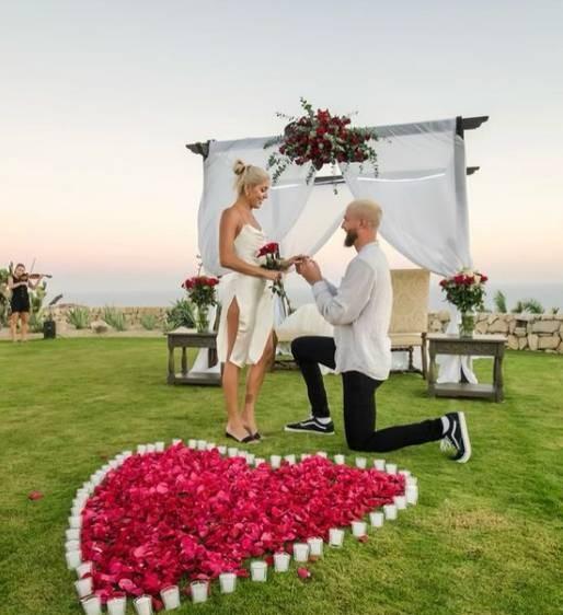 帕森斯向女友求婚成功 格里芬、戈贝尔等球星祝贺帕帅
