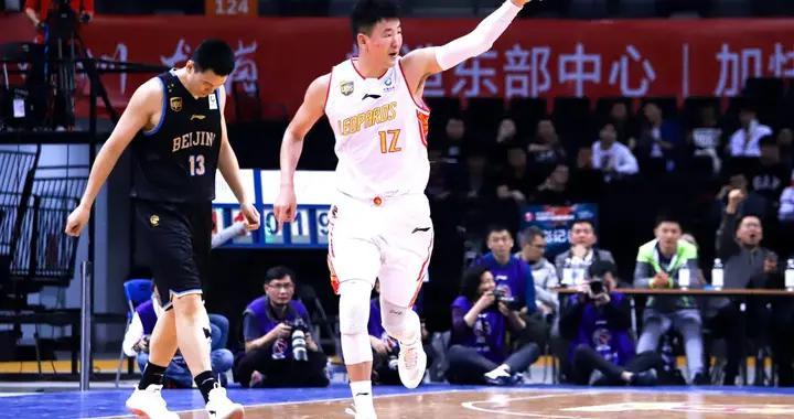 深圳队携手深圳龙岗,打造篮球新高地