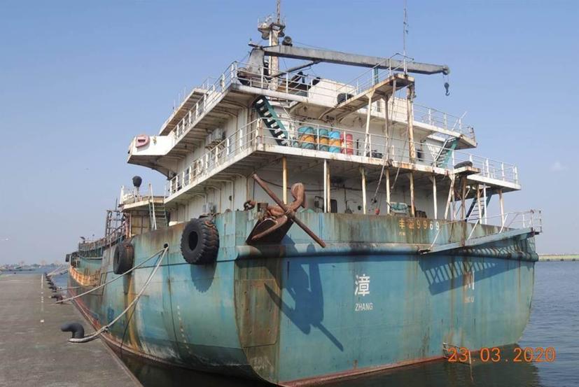 大陆抽砂船被台当局扣押,台官员竟建议当台军训练靶船