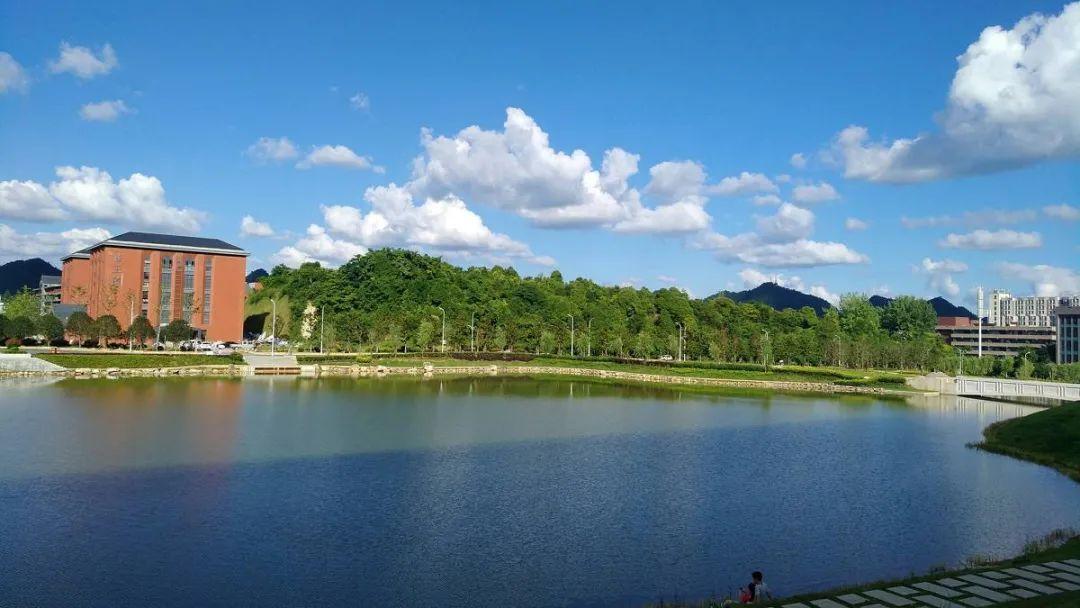 贵州省外来人员随迁子女报考普通高等学校有新规