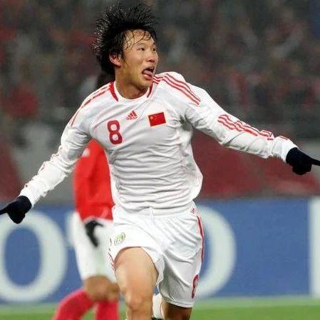 被伤病耽误的足球天才,最有可能成为中国最强10号之人邓卓翔