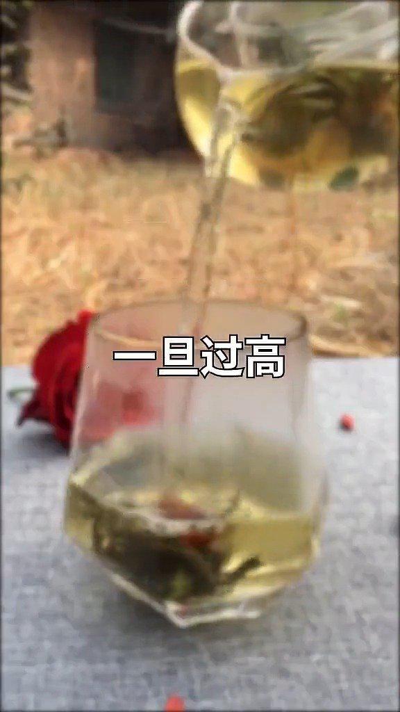 平时喝酒的和吃海鲜多的基本都会尿酸高……