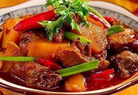 美味下饭菜:土豆烧鸡,蜜汁烤翅,香干炒肉片