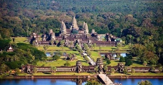泰国太后和柬埔寨太后都不准国王结婚,结局却有天壤之别