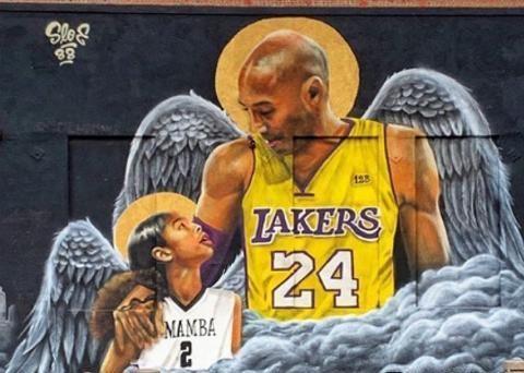耗时300小时!小学篮球场手绘24米科比壁画,艺术家:一生的偶像