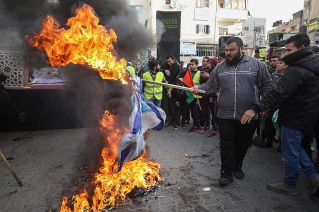 以色列吞并巴勒斯坦土地无人管,不止美国沉默,中东国家视而不见