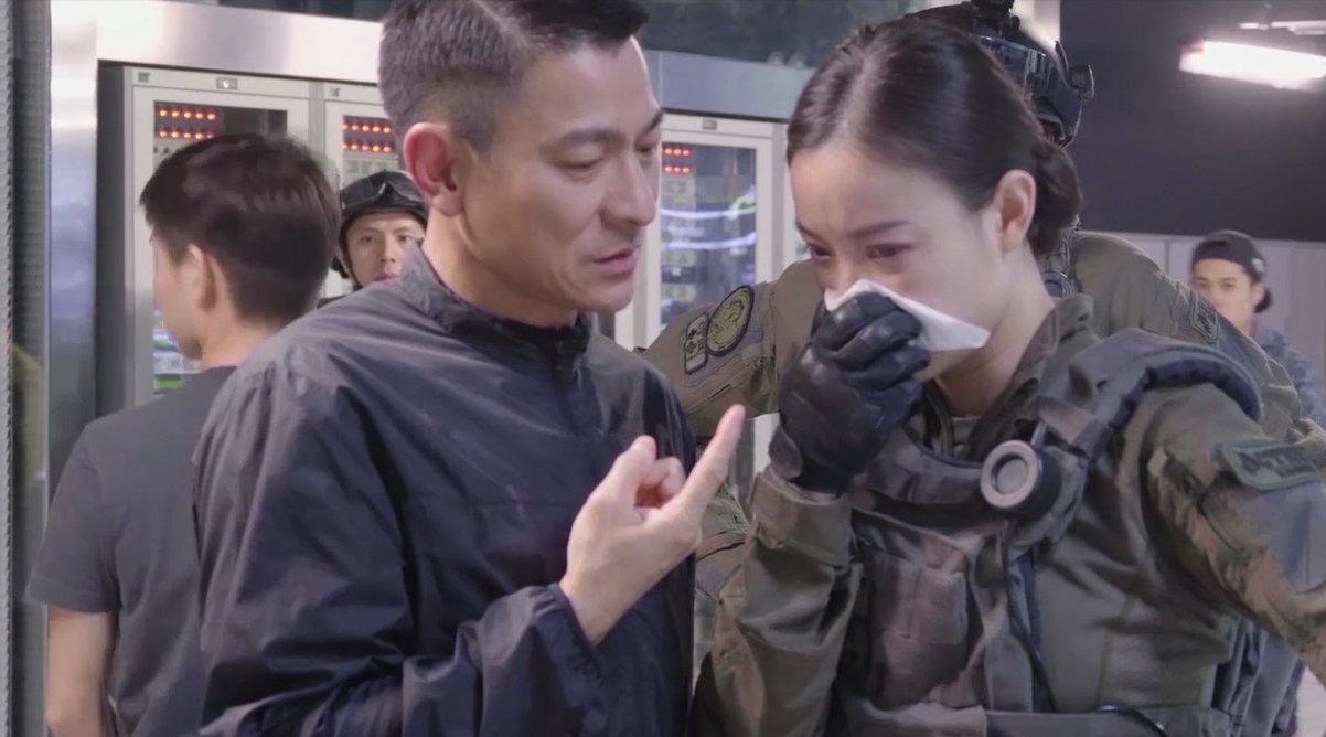 《拆弹专家2》发布新特辑,展现刘德华、倪妮两人的首次合作……