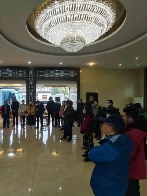 今天,上铁融媒体中心在连镇高铁淮镇段沿线举办集中采访活动…………