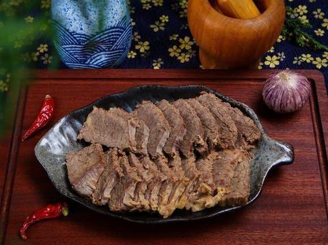 卤牛肉时,牢记3步骤,牛肉不柴不塞牙,鲜香入味有嚼劲!