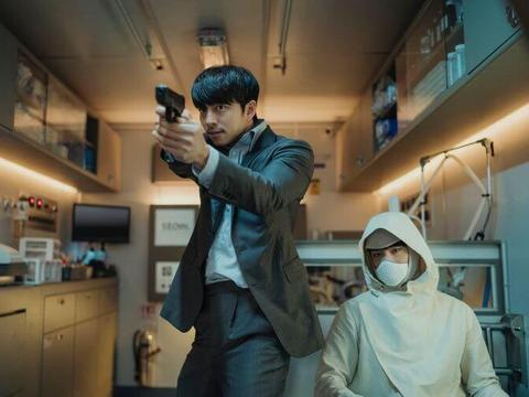 这部电影挤掉了李秉宪、孔刘和朴宝剑,获得最受瞩目电影第一名