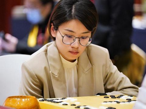 於之莹:我是第一次下生日对局 生日赢棋非常高兴