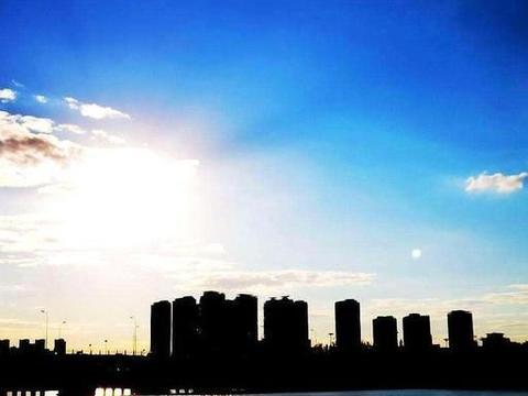 沈阳有一滨河公园:面积达126公顷拥有7大区域,夜景可比上海外滩