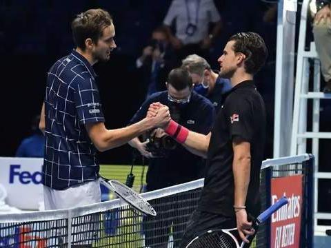恭喜梅总斩获年终总决赛冠军,希望他和蒂姆明年澳网大放异彩