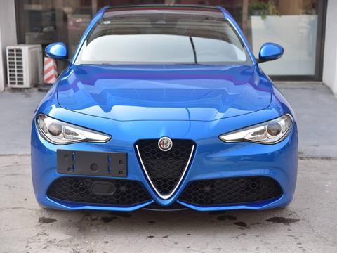 提了阿尔法罗密欧Giulia的第一件事干什么?当然去贴隐形车衣了
