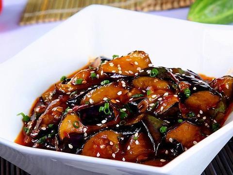 美味家常菜:豆瓣茄子,鱼片汤,双椒炒豆腐