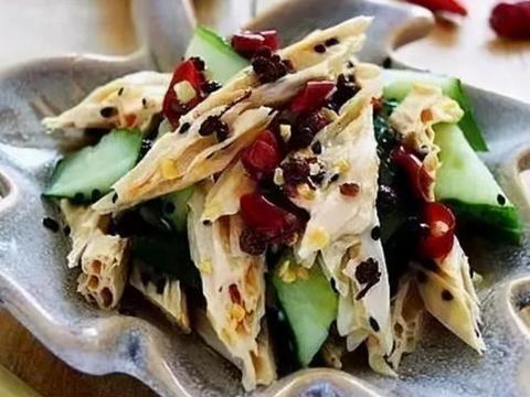 美味家常菜:扇骨酸菜粉条汤,凉拌鸡爪,油泼腐竹