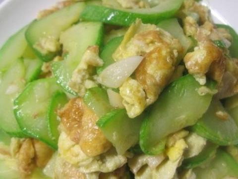 海带烧肉,角瓜炒鸡蛋,洋葱牛肉丝的做法