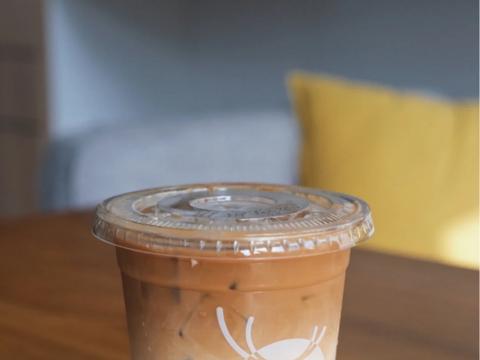 瑞幸拿铁55折起 感恩节,温暖心意都在一杯咖啡里