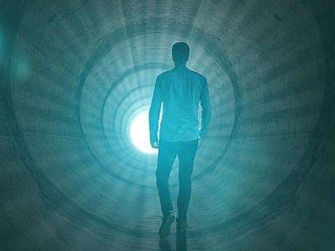人在濒死状态能回忆一生?科学家试验濒死体验,揭开大脑的秘密