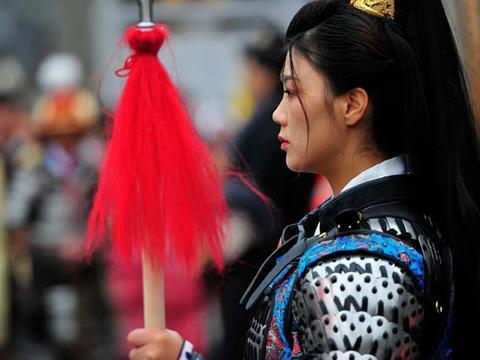 贵州龙里水乡:一众同袍庆祝汉服出行日