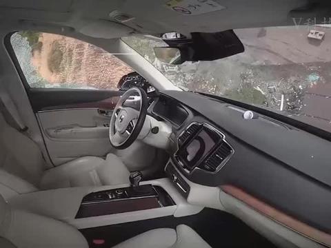 惊人的极端碰撞测试!车子从30米的高空扔下,你觉得会发生什么