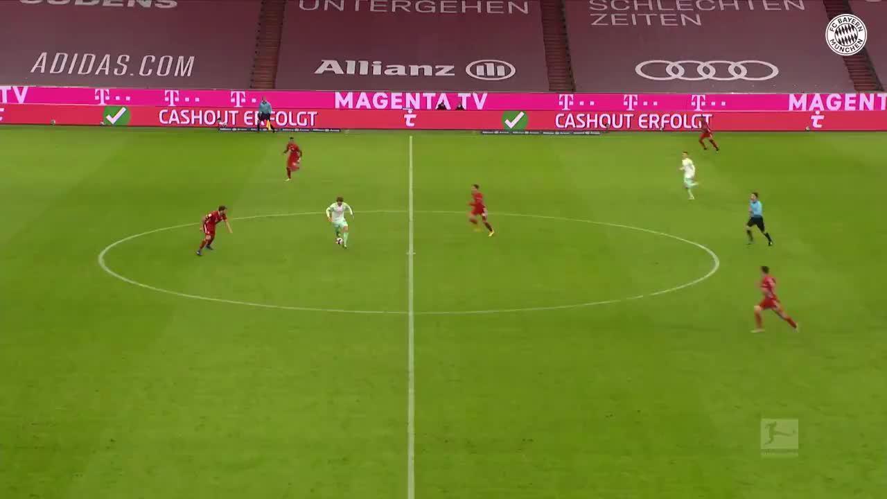 官推回顾:看看马丁内斯对阵不来梅的这次拼抢和护球分球!