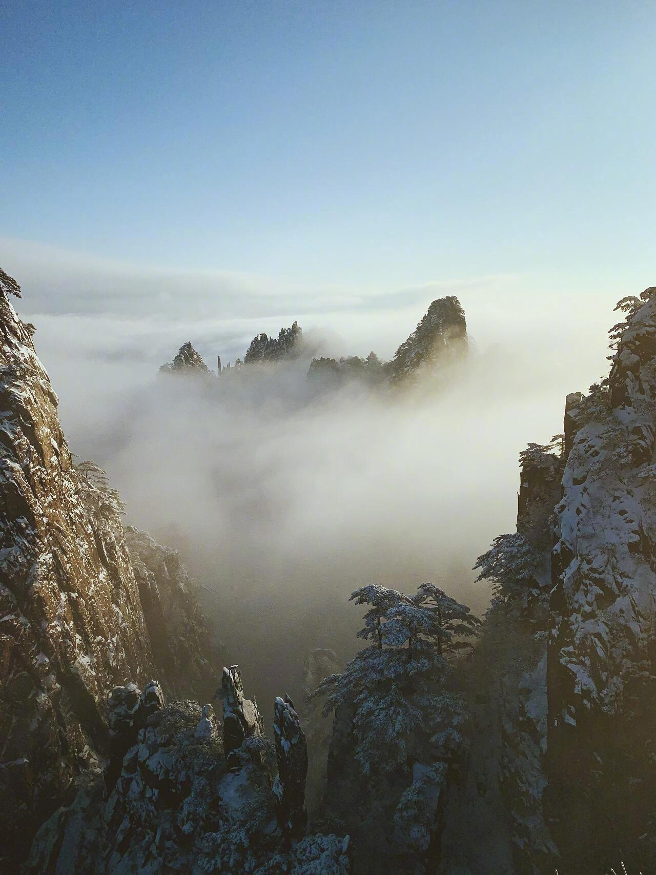 冬日黄山 黄山位于安徽南部黄山市境内……