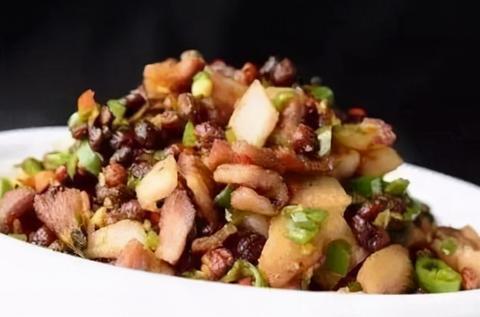 美味家常菜:肉片猪血烩时蔬,蒸茄子,豆豉炒油渣