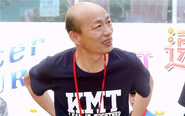 韩国瑜缺席秋斗游行,支持者在声量也在,将劝进他重返政坛?
