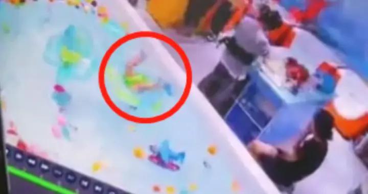 温州女婴浴缸溺亡,父亲竟在玩游戏:别再跟风了,真的会出人命