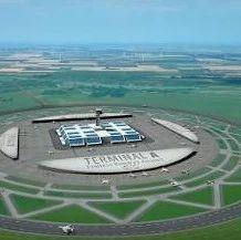 颠覆机场设计,荷兰人竟把跑道变弯!