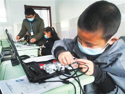 宁夏300名青少年编程赛上显身手一等奖将晋级全国赛