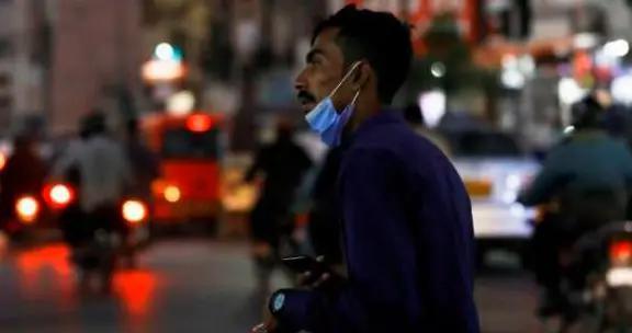 巴基斯坦新冠肺炎住院人数两周内增加一倍 教育机构26日起关闭