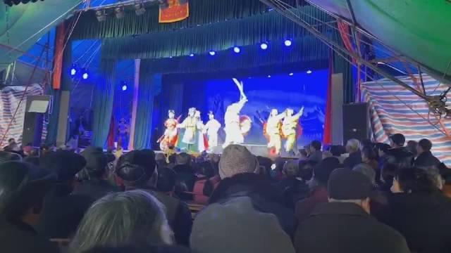 入冬了,金华乡下村里做金华戏的也多起来了……