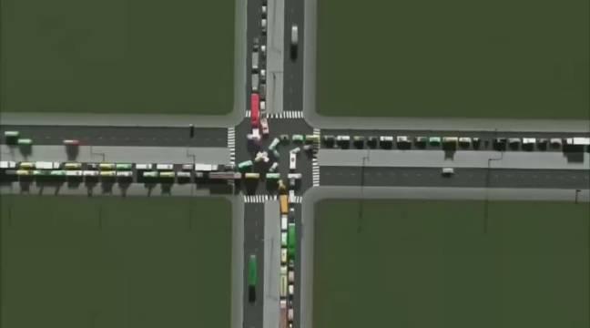 看完这个视频,就明白红绿灯、隔离带、环岛、立交桥的价值…………
