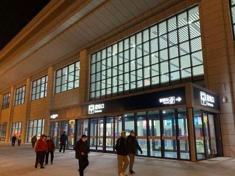 潍莱高铁明日开通!半岛全媒体记者带您夜探平度站