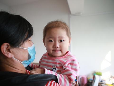 1岁女童反复发烧,送医后切掉3/4的肝,医生:剩下的还得切