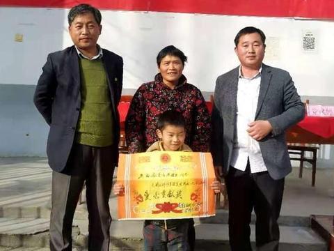 鹿邑县高集乡后柳河学校:一张特殊的奖状
