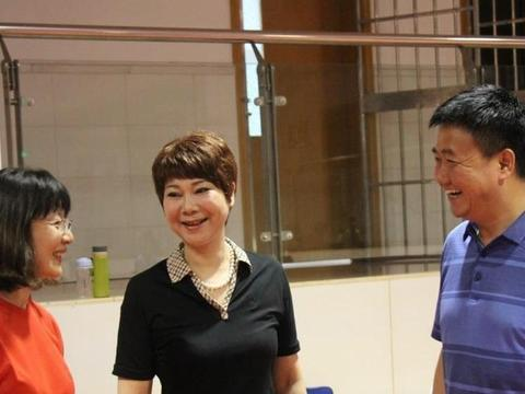 国乒一姐斩获冠军59个因肝病退役,施之皓是她前夫,许昕是她学生