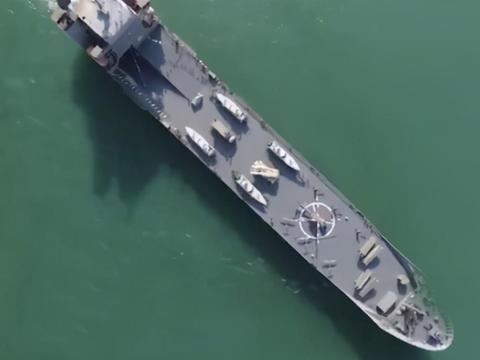 伊朗海上移动堡垒亮相,实力比肩两栖攻击舰,能否成功扼守海湾?