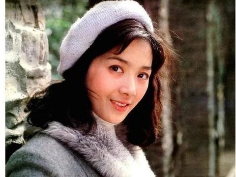 女星龚雪旧照曝光,被称为中国版的山口百惠,因谣言退圈太可惜
