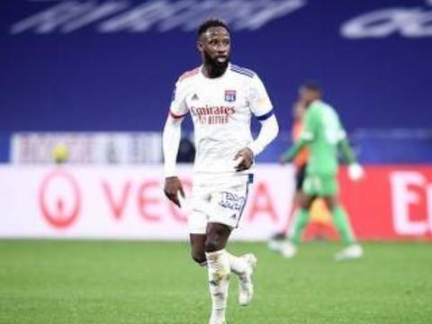 法国足球:西汉姆联想要里昂前锋登贝莱
