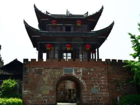 """湖南最""""委屈""""的古镇,比凤凰古镇早900年"""