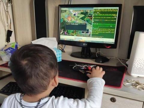 梦幻西游:梦幻年龄最小的五开玩家,奶瓶还没断就刷任务赚钱了
