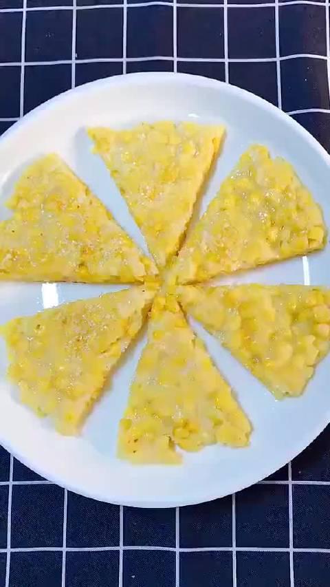 教大家制作黄金玉米烙!!!营养丰富,好吃简单做,喜欢的马起来