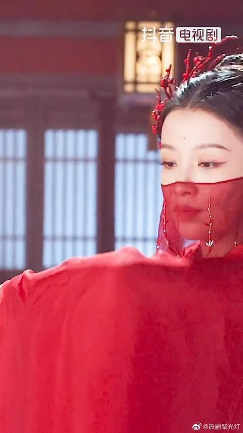 孙怡的古装红衣造型真的太美了吧!建议反复收看!